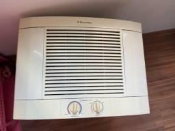 Ar condicionado quente e frio 7500 eletrolux