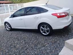 Lindo focus sedan se 2.0 automatico 2015