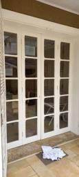Lote fechado de portas e janelas de imbuia