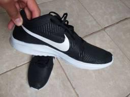 Título do anúncio: Tênis Nike Zoom 43