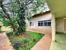 Título do anúncio: Casa Térrea 371m² com 5 Quartos e 3 banheiros à Venda, Campo Grande , São Paulo - SP