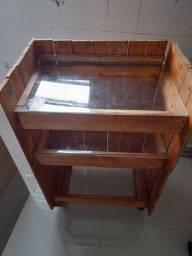 Bancada com 3 prateleiras de vidro