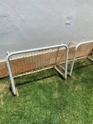 Título do anúncio: Golzinho de futebol de ferro com trava e rede