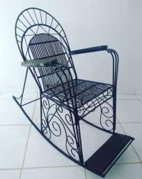 Cadeira balanço ferro maciço