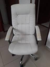 Título do anúncio: Cadeira Presidente giratória reclinável confortável