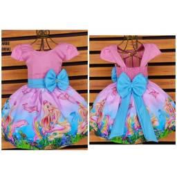 Título do anúncio: Vestido Temático Barbie Tamanho 2.