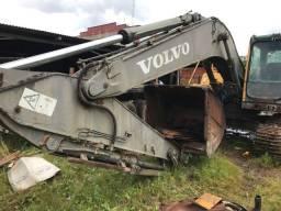 Título do anúncio: Vende se Escavadeira Volvo a ser restaurada