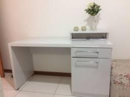 Escrivaninha/mesa para escritório