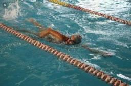 Aulas de natação e hidroginastica no parque dez