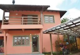 Alugo Casa 3 dormitórios - Campeche