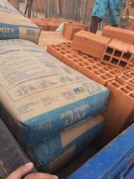 Vendo tijolos de primeira o milheiro R$320 Entregamos toda zona norte de Teresina