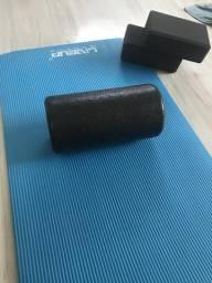 Foam Roller + colchão e blocos de yoga