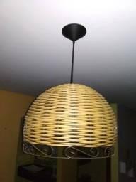 Luminária em vime