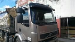 Caminhão VM 330 bitruk - 2014