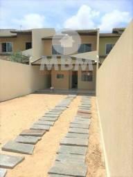Vendo casa duplex no Eusébio com 135 m², 4 suítes e 04 vagas de garagem. 275.000,00