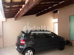 Casa à venda com 3 dormitórios em Jardim das palmeiras, Uberlandia cod:27471