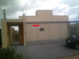 Aluga-se Casa com 2 Quartos em Luzimangues. Loteamento Porto Seguro
