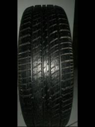 Vendo pneu semi novo
