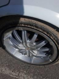 Rodas 17... 3 pneus bons e 1 ruim