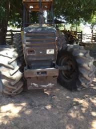 Trator de pneu 1280