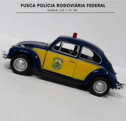MINIATURA FUSCA POLÍCIA RODOVIÁRIA FEDERAL ESCALA 1/32