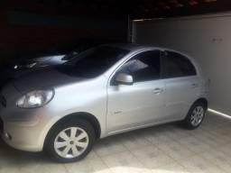 Nissan March Completo