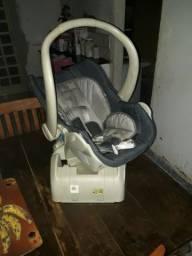 Vendo bebê conforto semi novo