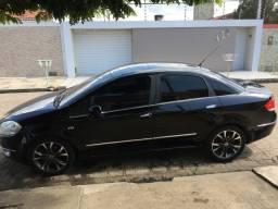 Vendo Fiat Linea HLX 2010 com rodas aro 17 pneus em ótimo estado