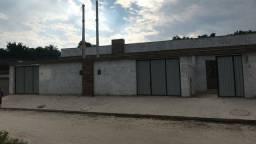 Casa linear de 2 quartos no Bairro Xavantes