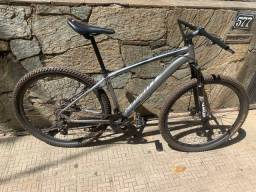 Título do anúncio: Vendo bicicleta aro 29 Redstone