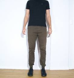 Título do anúncio: Calça marrom com elástico na perna