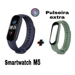 Relógio inteligente M5 + 1 pulseira extra (Smartwatch digital novo)