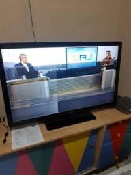 """Título do anúncio: TV LCD Philips 42"""""""