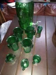 Suqueira com 8 copos