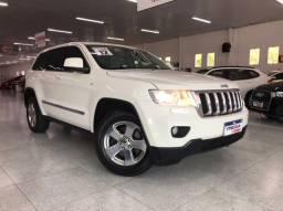 Título do anúncio: Jeep Grand Cherokee Laredo 3.6 4x4 Automática !! Carro Zero Detalhes