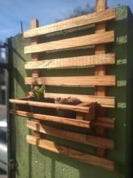 Treliça vertical (em madeira bruta)