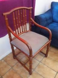 Título do anúncio: Duas Cadeiras Fake Bambu,  Semi Novas às Duas por R$160,00