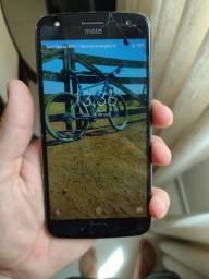 Motorola X4 trincado