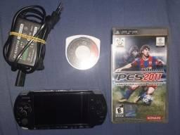 PSP 2000 com assessórios
