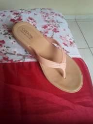 Vendo esse sandália nova usada so uma vez( adulto)