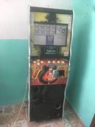 Máquina de música seminova