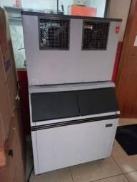 Maquina de gelo 150kg