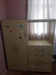 Guarda roupas e cômoda 130 reais