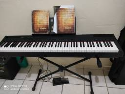 Piano Yamaha P-105