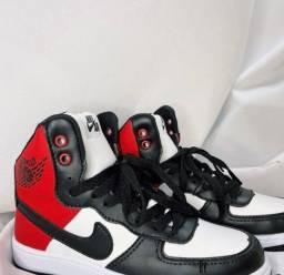 Título do anúncio: Tênis Air Jordan Vermelho e Preto