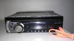 Radio Pionner toca cd MP3 para carro, não tem pendrive e sim cabo auxiliar