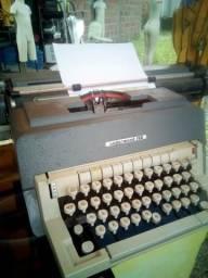 Máquina de Escrever Olivetti Underworld funcionando perfeitamente