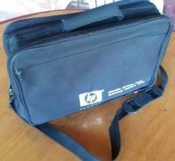 Bolsa tiracolo HP p/ notebooks e outros - Preta, em lona - 40 x 30 cm