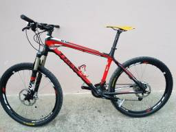 Bicicleta Trek, full carbono, Susp Fox, Deore xt, Aro 26, impecável