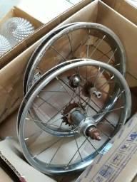 Rodas antigas de bicicleta aro 16